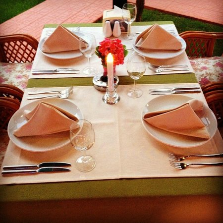Club Likya Apartments: table for dinner