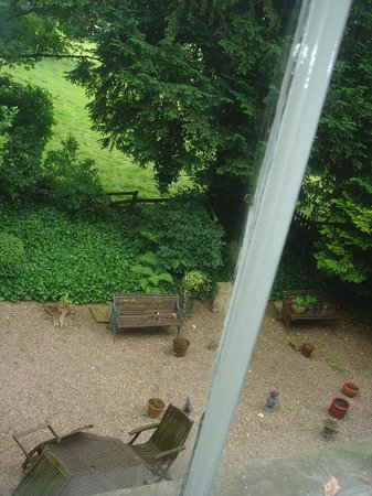 Holmefield Guesthouse: bedroom view