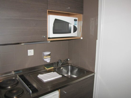 Sejours & Affaires Lille - Europe: kamers in hotel ,keuken