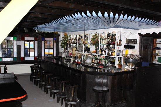 Tanne Bar