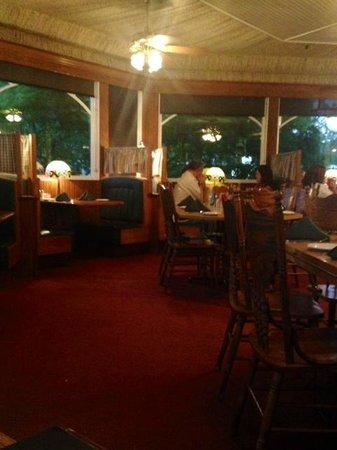 Apple Farm : The back dining room