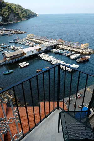 Casa a Mare : Balcony and view Room 1