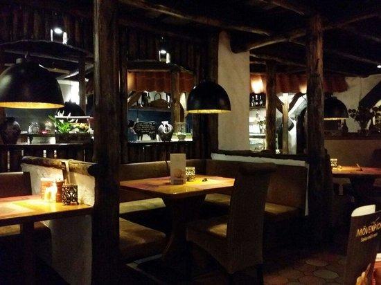 Steak-House Nr.1: Inside