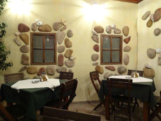Whispers Restaurant- Bar : Outdoor/smoking area