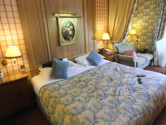 Chambiges Elysees Hotel : De-Luxe Room