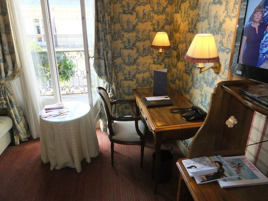 Chambiges Elysees Hotel: De-Luxe Room