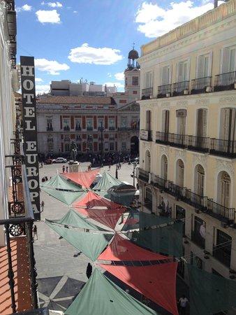 Hotel Europa: Puerta del sol from room balcony