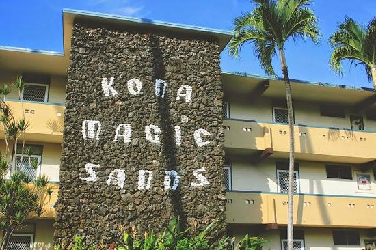 Kona Magic Sands: www.closet-creep.com