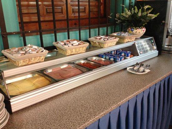 Hotel Maria Cristina : breakfast buffet