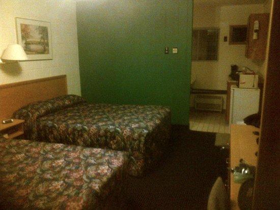Cedar Lane Motel: Beds