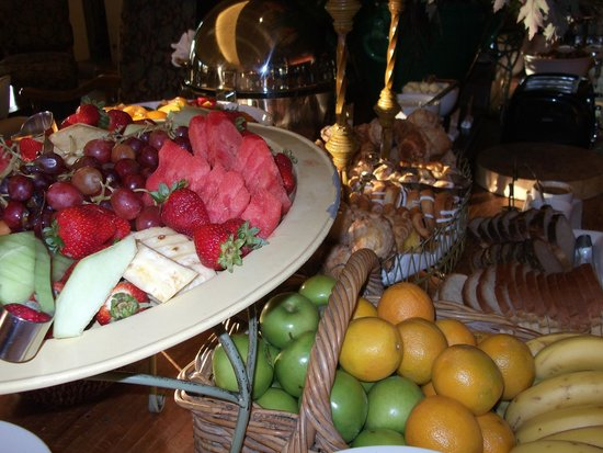 Villagio Inn and Spa: More of the morning offerings at Villagio