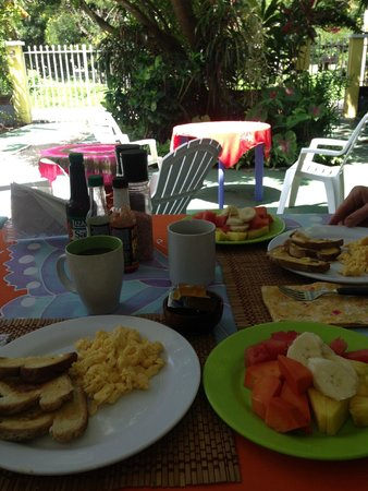 La Mansion Bed & Breakfast : Great breakfast served every morning