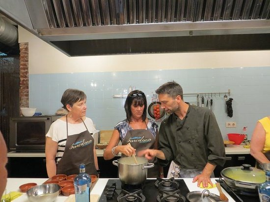 Cook and Taste Barcelona Cooking Classes: Kris and JoAnn with Chef David in Barcelona