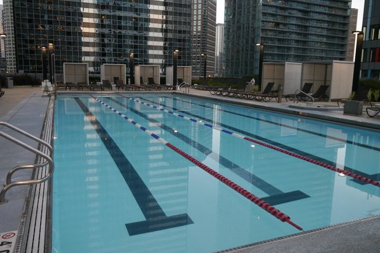Outdoor Pool Picture Of Radisson Blu Aqua Hotel Chicago