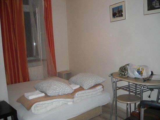 Hostel Euro Room: Camera