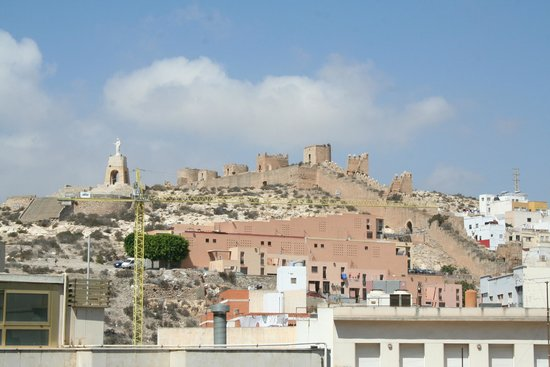 AC Hotel Almeria: Alcazaba from the roomtop terrace