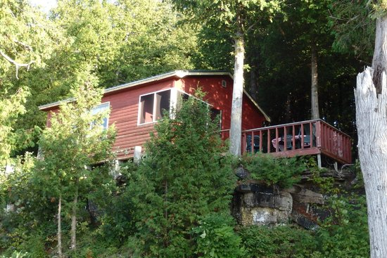Mindemoya Court Cottages & Campground: Cottage 8