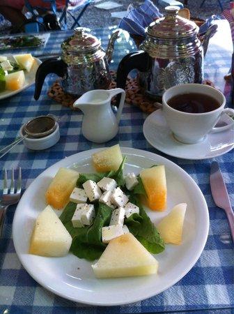 Dalyan Iz Cafe: Refreshing melon and cheese