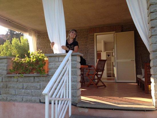 La Casa di Sofia - Casa Vacanza Monterosi : BETTA in veranda