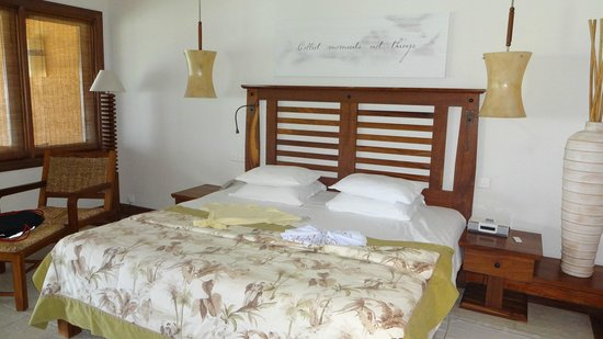Heritage Awali Golf & Spa Resort : Bed in our Suite