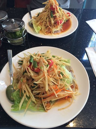 Pongsri Thai Restaurant: Best Som Tam salad so far