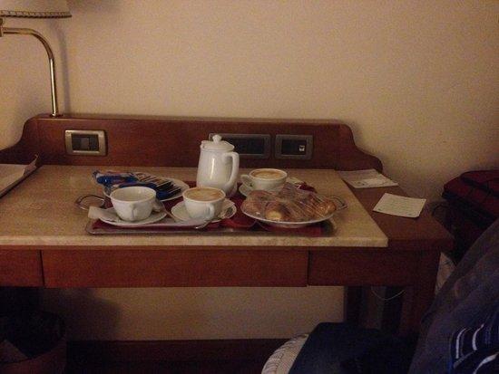 Hotel Laurus al Duomo: Colazione in camera a soli 3 euro