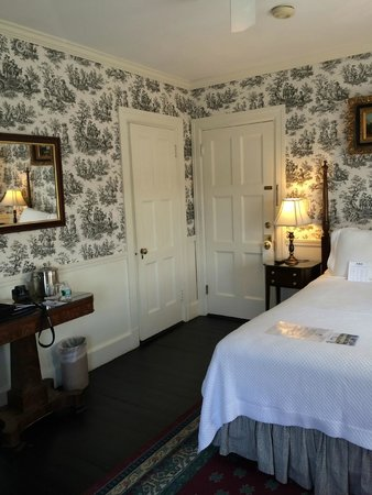 كينيبانك بورت إن: bedroom