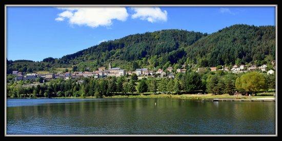 Le Ciel d'Ardeche: Lac St martial (à 10 km)