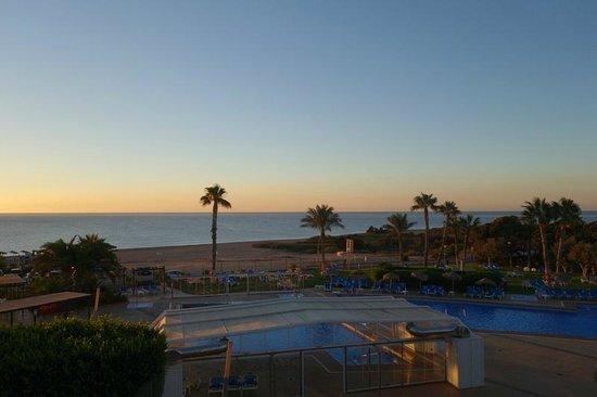 Servigroup Marina Playa: Vista de la playa madrugando un poco, desde la habitación