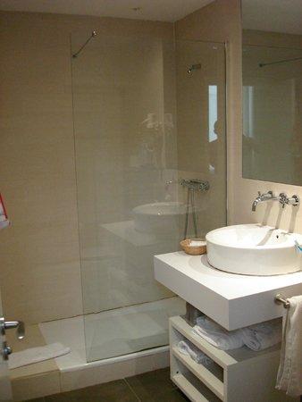Apartamentos Benignus Madrid: Baño