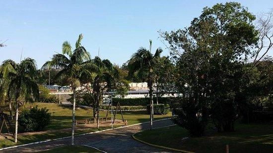Hotel Sesc Cacupe: vista do ap., ao fundo as piscinas.