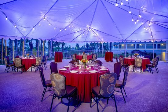 Crowne Plaza Phoenix - Chandler Golf Resort: Terrace Function Area