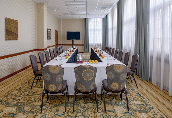 Crowne Plaza Phoenix - Chandler Golf Resort: Meeting Space