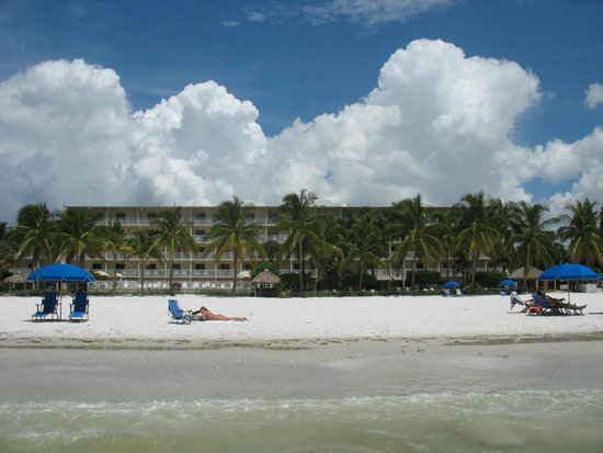 Best Western Plus Beach Resort : Hotel from the beach
