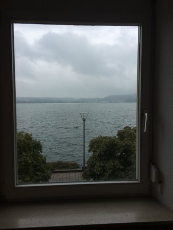 Hotel Seegarten: View out of our second room onto the Bodensee