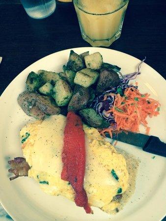 MoLe Restaurant: the bluish tint is my camera