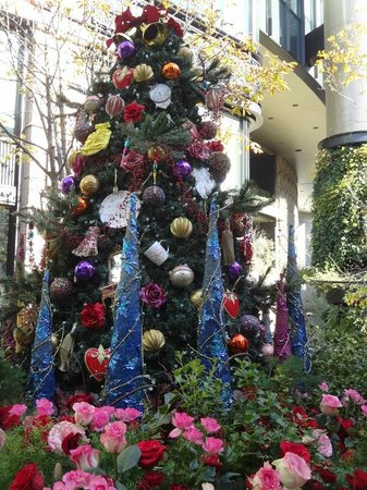 Marunouchi Brick Square: Christmas Tree