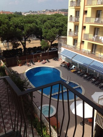 Hotel Stella Maris : View from side balcony