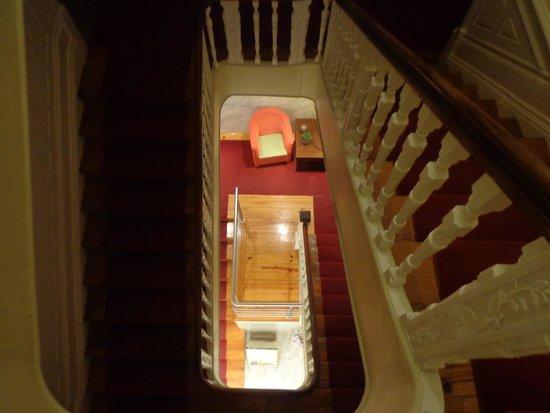 Hotel do Norte: Escadas para acesso aos quartos