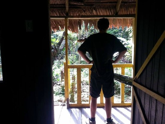 Omshanty : in the cabana looking outside