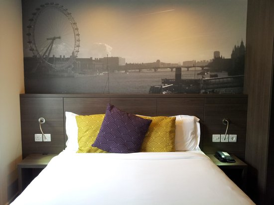 Citadines Trafalgar Square London: Bed