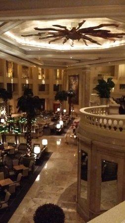 The Peninsula Manila : Grand Lobby
