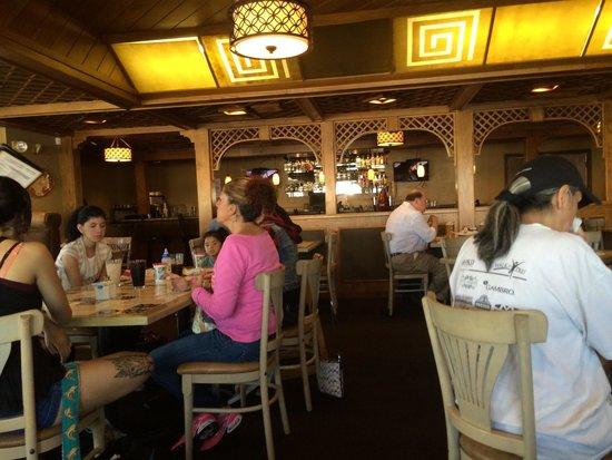 La Mariposa Restaurant: Very large dining room