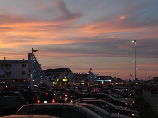 Hampton State Beach: Beautiful sky from Beach Parking