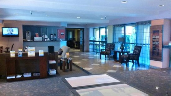 Comfort Inn and Suites Rancho Cordova : The lobby area