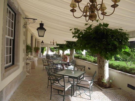 Tivoli Palácio de Seteais : カフェのテラス席
