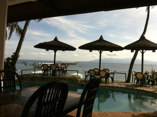 Portofino Beach Resort: View from the front of the property of Sabang side of Puerto Galera