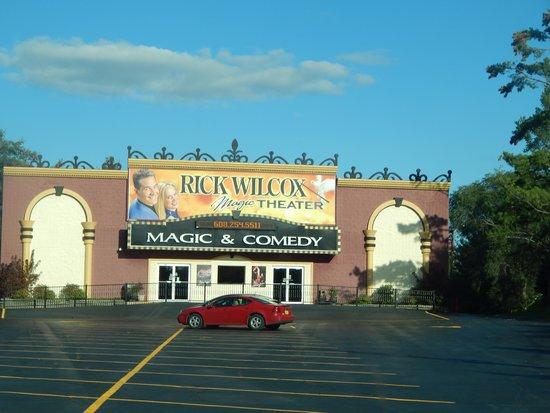 Rick Wilcox Magic Theater: Rick Wilcox