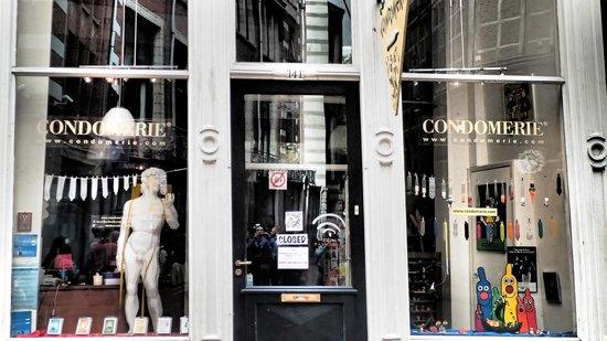 SANDEMANs NEW Europe - Amsterdam: Condomerie!