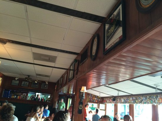 The Mucky Duck : The Decor